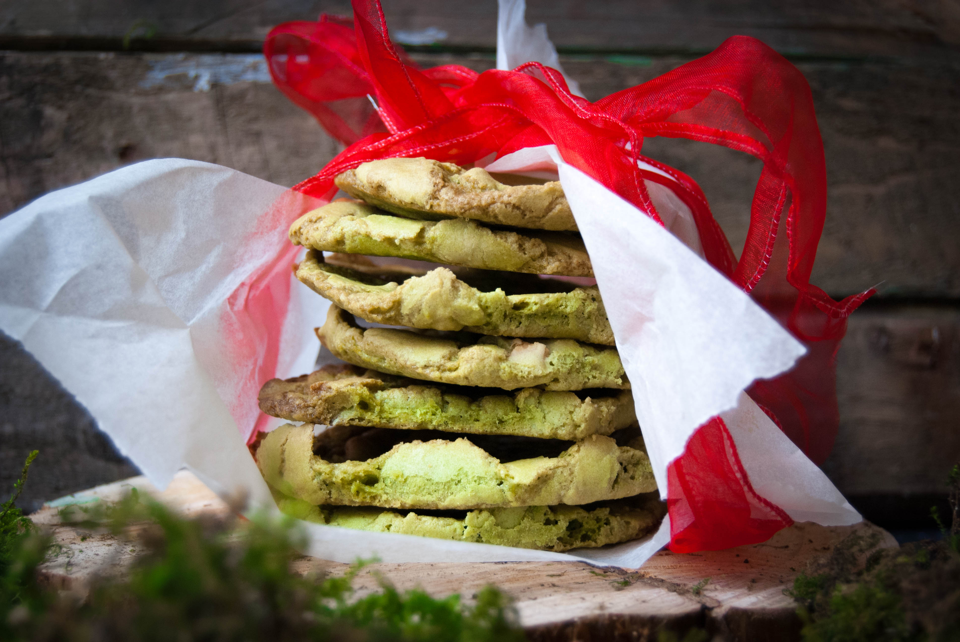 White chocolate and matcha buttercream cookies |